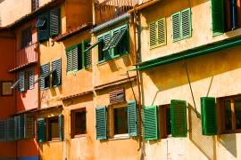 Mediterran Häuserfront in Florenz