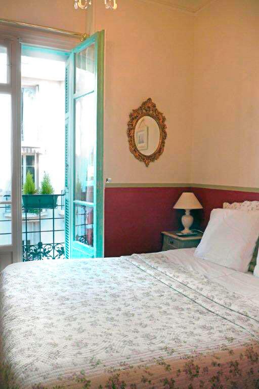 Villa-Rivoli-Zimmer-Blumen