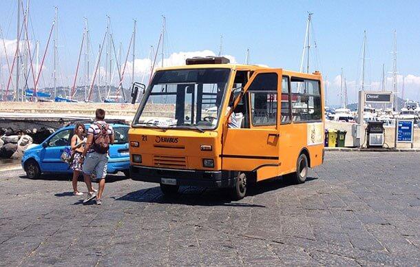 Minibus auf Procida © Siegbert Mattheis