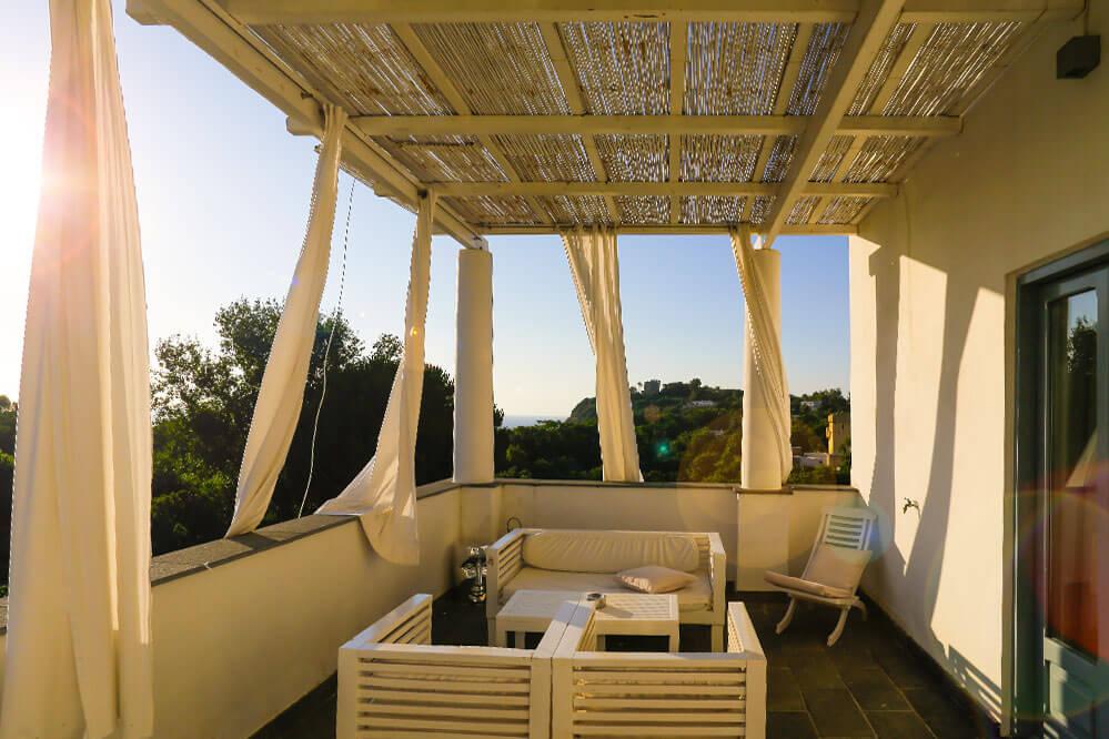 Terrasse des Hotels La Suite auf Procida
