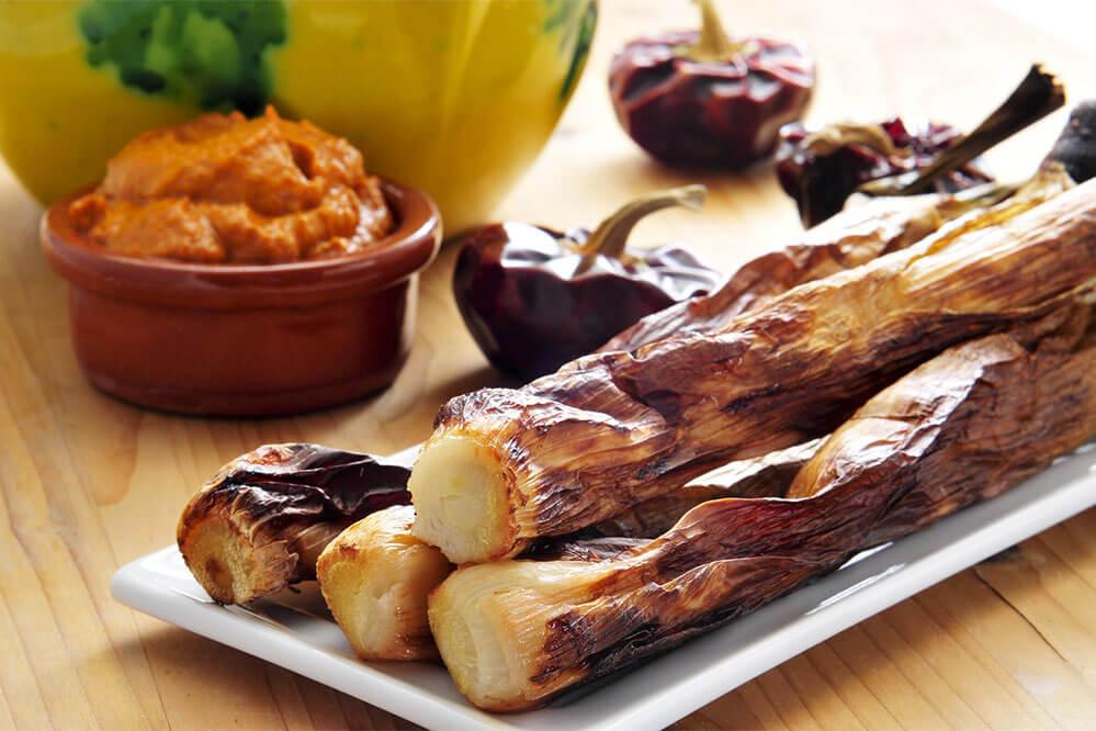 das Bild zeigt Salvitxada-Sauce mit Calçots