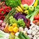 Das Bild zeigt mediterranes Gemüse und Obst