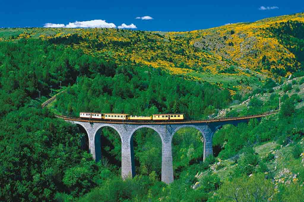 Großartige Bergwelt im Naturpark der katalanischen Pyrenäen