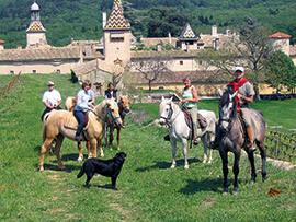Auf Pferden durch das Cèze-Tal reiten © Chartreuse de Valbonne - Bernard Liegeois