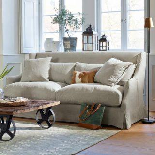 Graues Sofa Garvin Im Wohnzimmer
