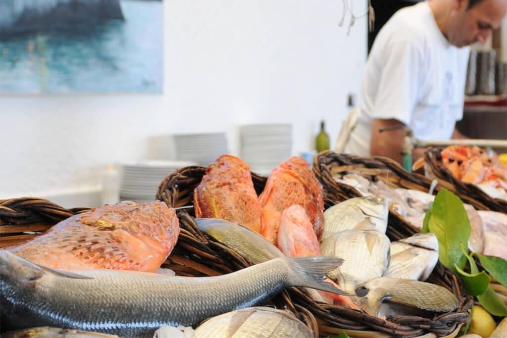Frischer Fisch wird angeliefert @ Lido Bianco