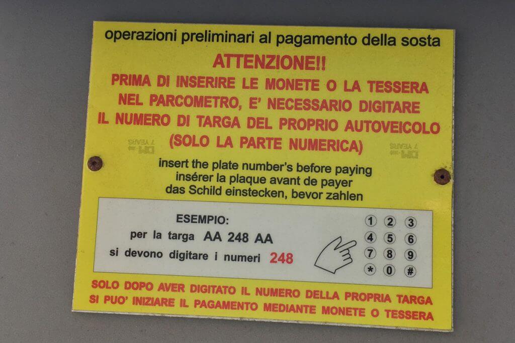 Parkanweisung in Italien © Siegbert Mattheis