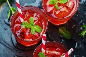 Lillet Blanc mit Aperol und Russian Wild Berry