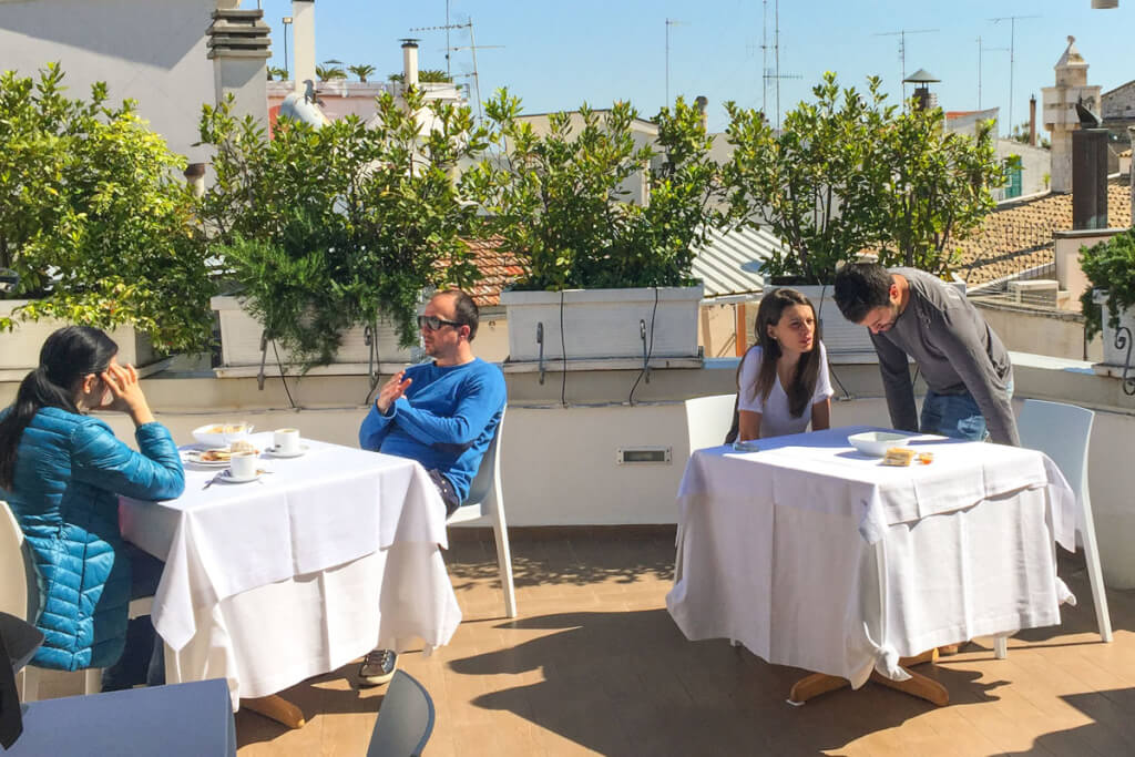 Frühstück auf der Dachterrasse mit Restaurant im Corte Altavilla © Siegbert Mattheis