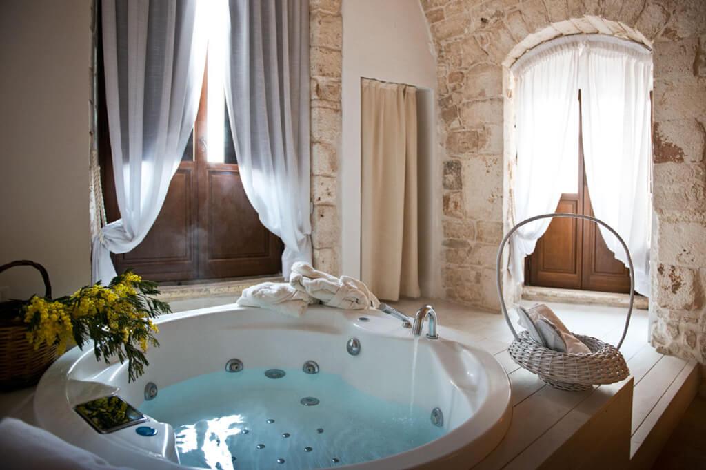 Whirlpool in einer der Suiten © Corte Altavilla