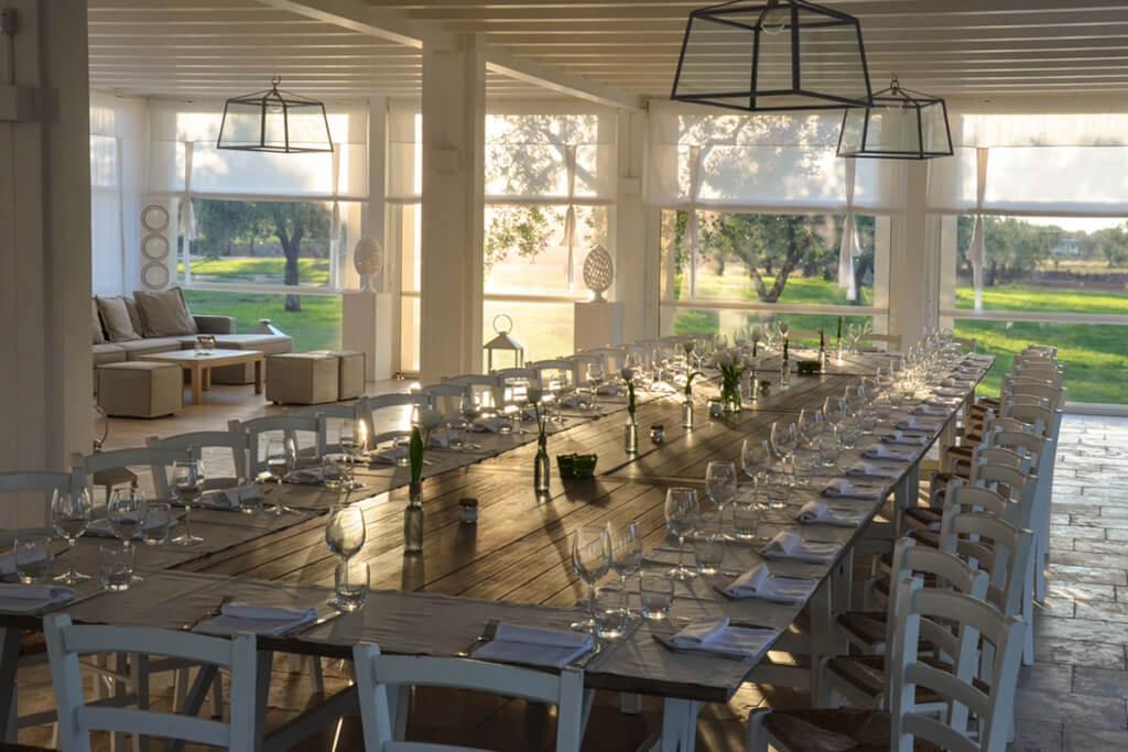 Im Pavillon neben dem Olivenhain können bis zu 40 Gäste gemeinsam feiern © Siegbert Mattheis