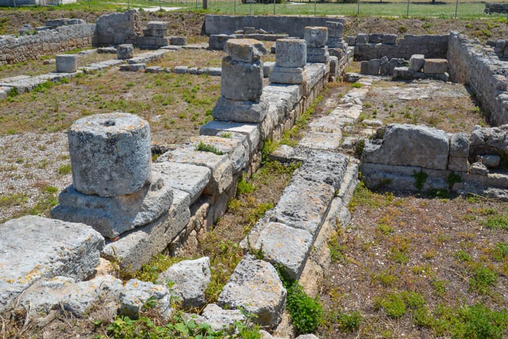 Säulenreste einer Basilika in Egnazia © Siegbert Mattheis