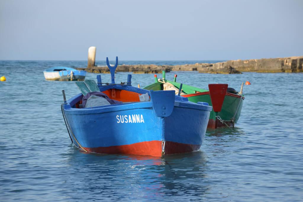 Originale Gozzi im Hafen von San Vito © Siegbert Mattheis