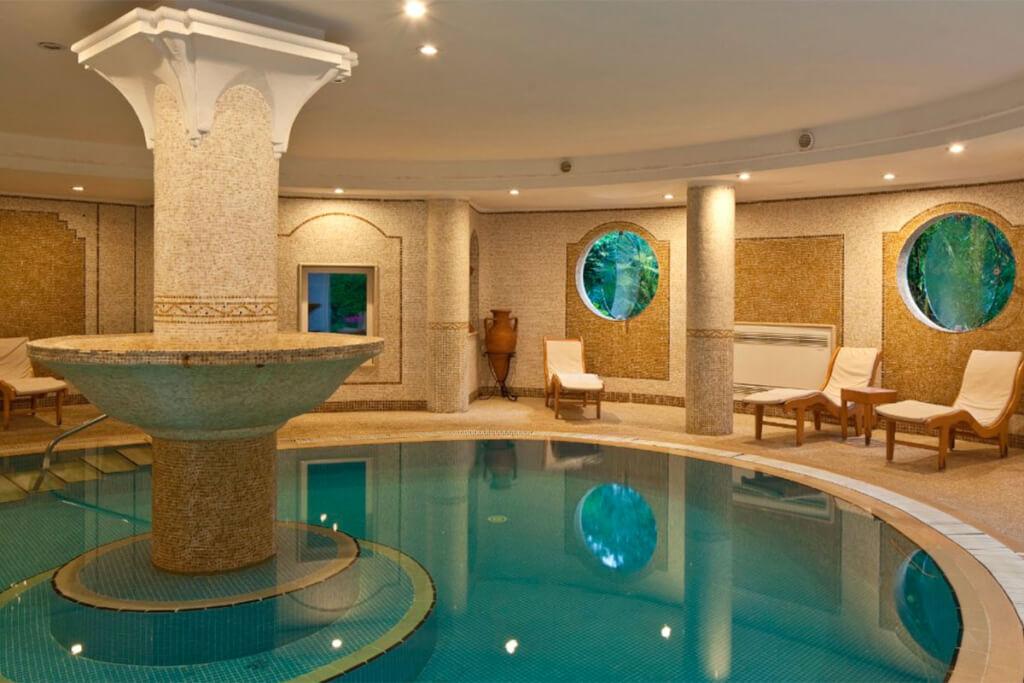 Der Spa-Bereich mit unterirdischen Thermalquellen © Hotel Excelsior
