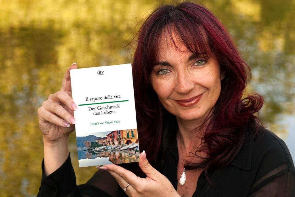 Valeria Vairo mit Buch Il sapore della vita