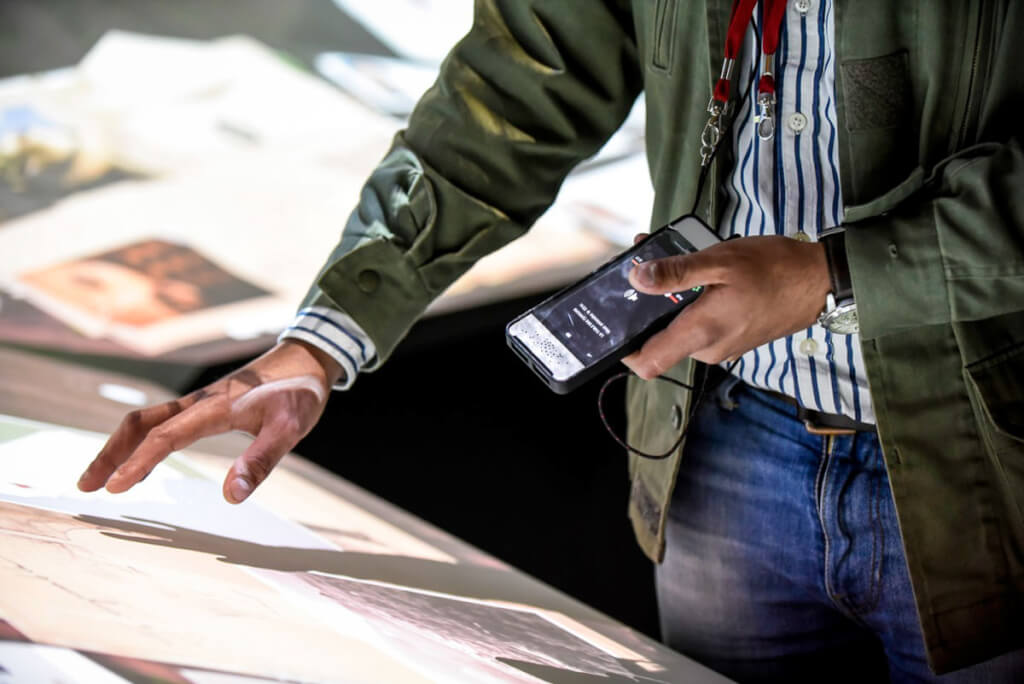 "Der interaktive ""Mobiltelefon""-Guide @ Cité du vin"