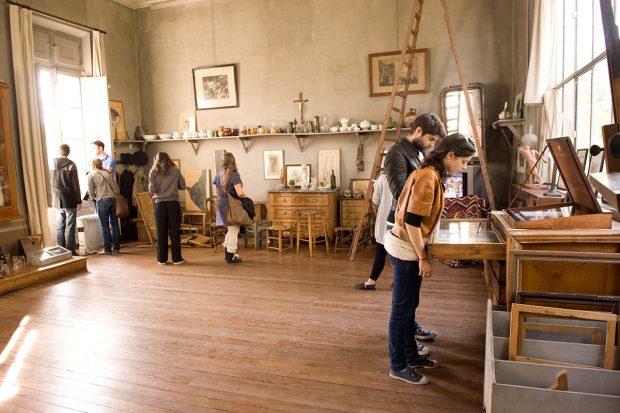 Besucher im Atelier von Cezanne © Regis Cintas Flores