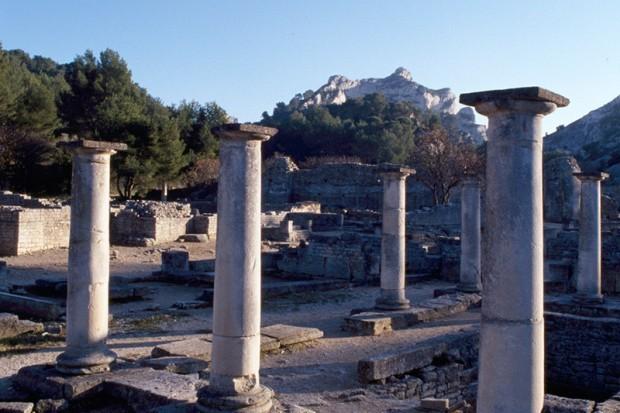 Archaeologische Fundstaette von Glanum-06