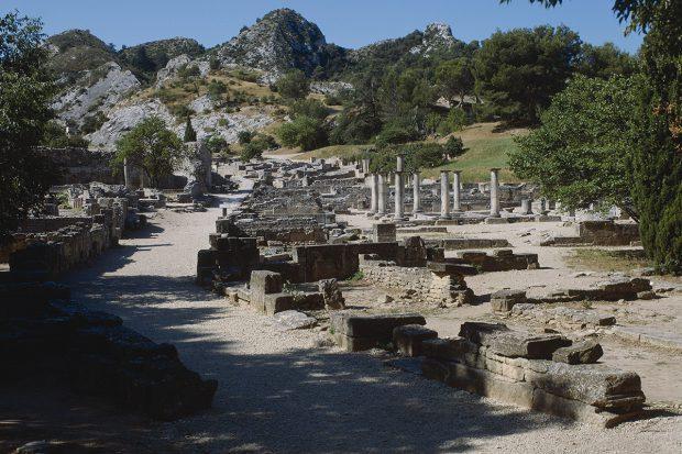 Archaeologische Fundstaette von Glanum-01