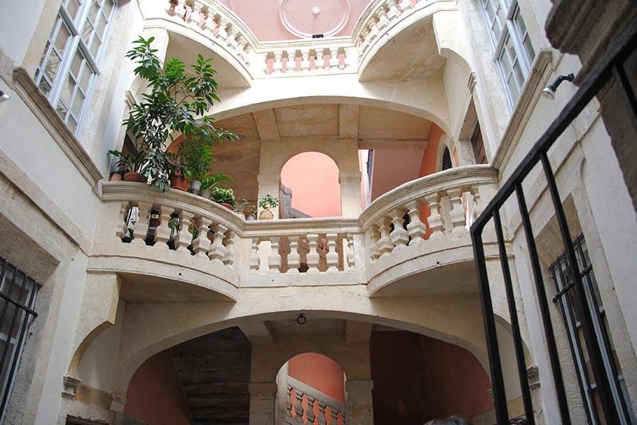 Stadthäuser in Nimes © OT Nimes