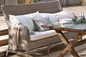 mediterrane gartenm bel deko sitzgruppen mosaiktische. Black Bedroom Furniture Sets. Home Design Ideas