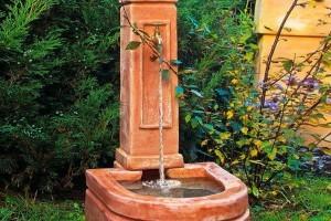 Terracotta Brunnen Florenz