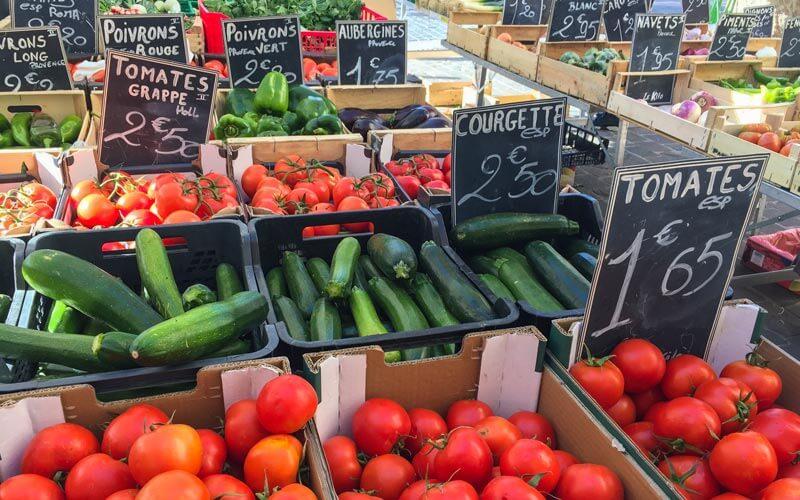 Der Gemüsemarkt in Cassis auf dem Place Georges Clemenceau © Siegbert Mattheis