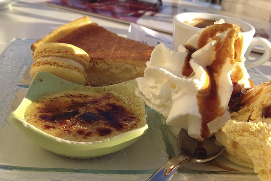 Café Gourmand in Marseille mit Crème Brûlée © Claudia Mattheis