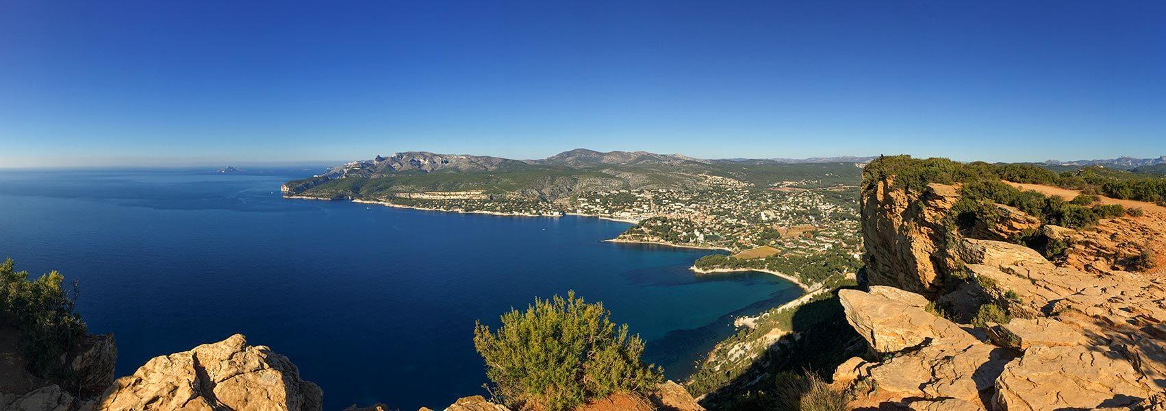 Atemberaubender Blick vom Cap Canaille auf Cassis und die Calanques