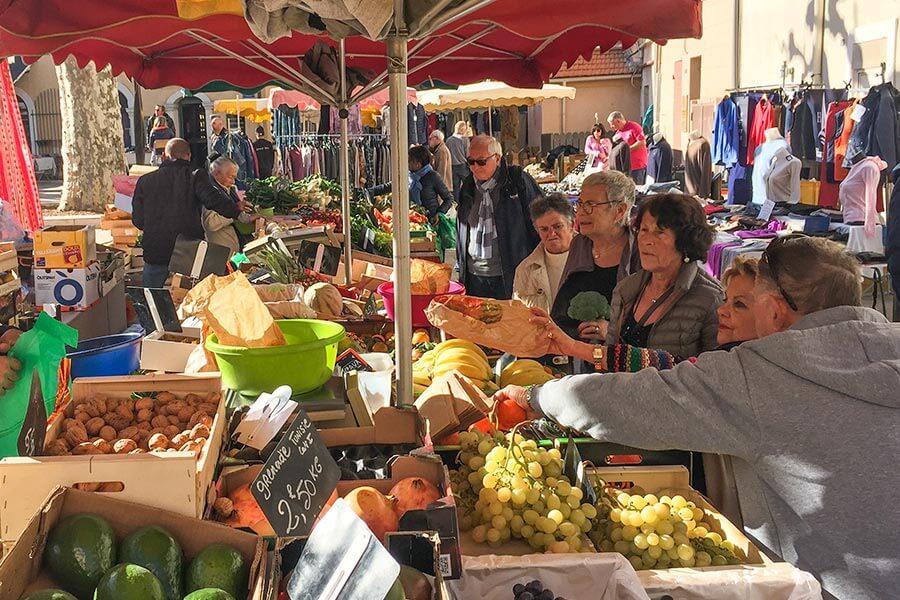 Wochenmarkt in Cassis, immer Mittwoch und Freitag © Siegbert Mattheis