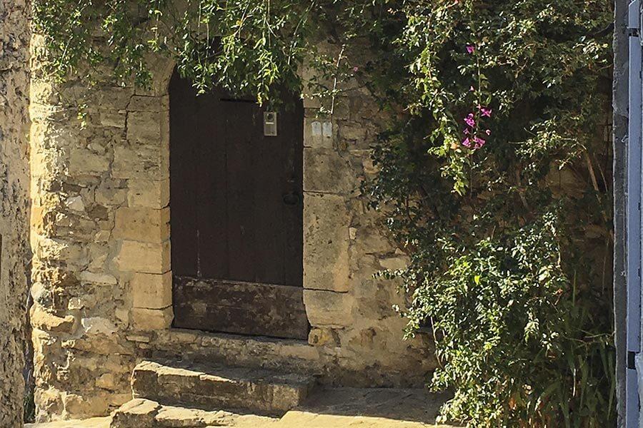 Verwunschenes Le Castellet in der Provence © Claudia Mattheis
