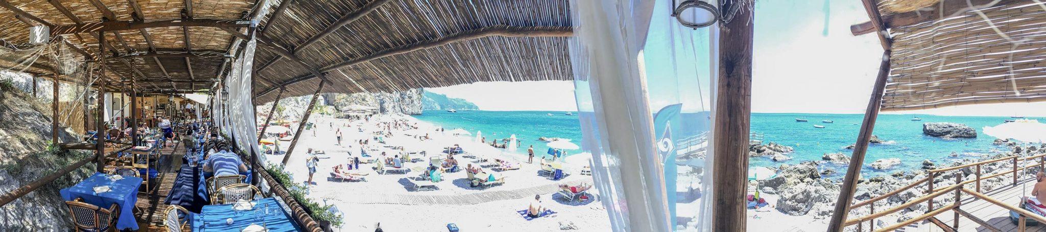 "Panorama vom Restaurant und Strand ""Lido degli artisti"" © Claudia Mattheis"