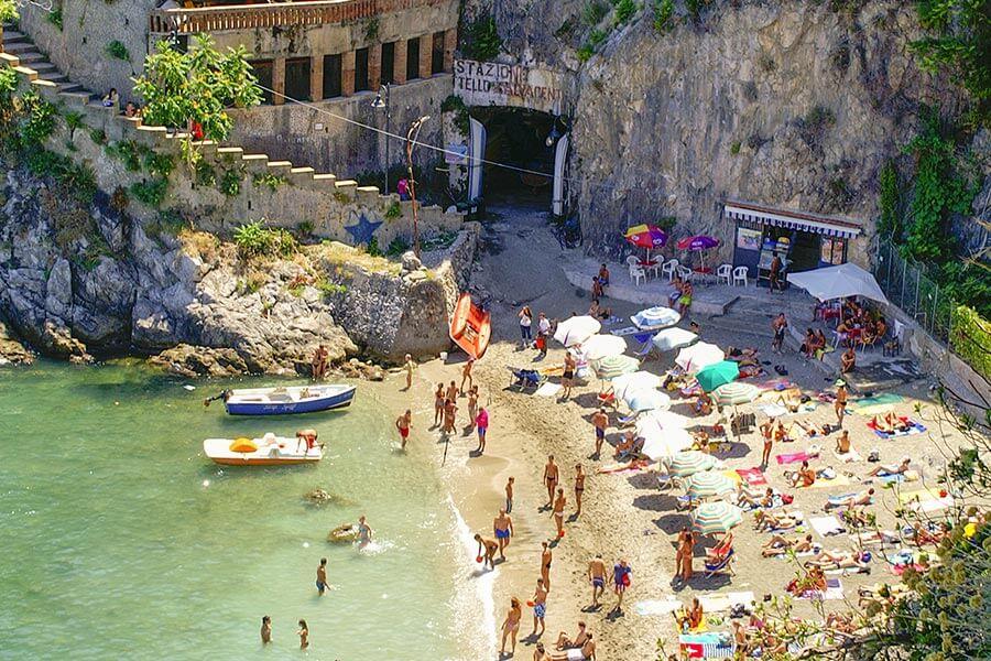 Strand Cetara unterhalb des Restaurants Falallela © Siegbert Mattheis