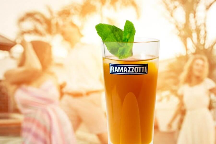 Brunesque, für laue Sommerabende genau richtig: Cocktail Rezept Ramazzotti Amaretto und Pastis © Siegbert Mattheis