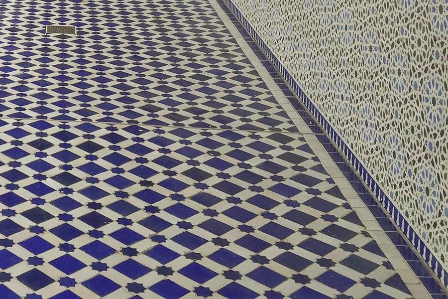Andalusische Keramik auf Boden und an der Wand © Claudia Mattheis