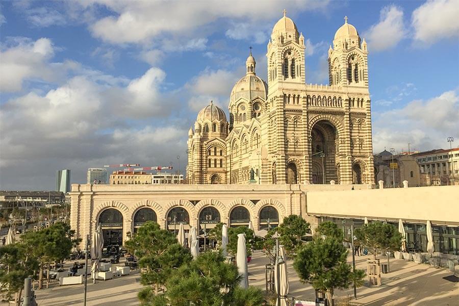 Kathedrale La Major und Casa Pietra © Siegbert Mattheis