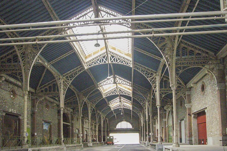 Die BYRRH-Kellerei in Thuir, von Gustave Eiffel erbaut © Wikipadia