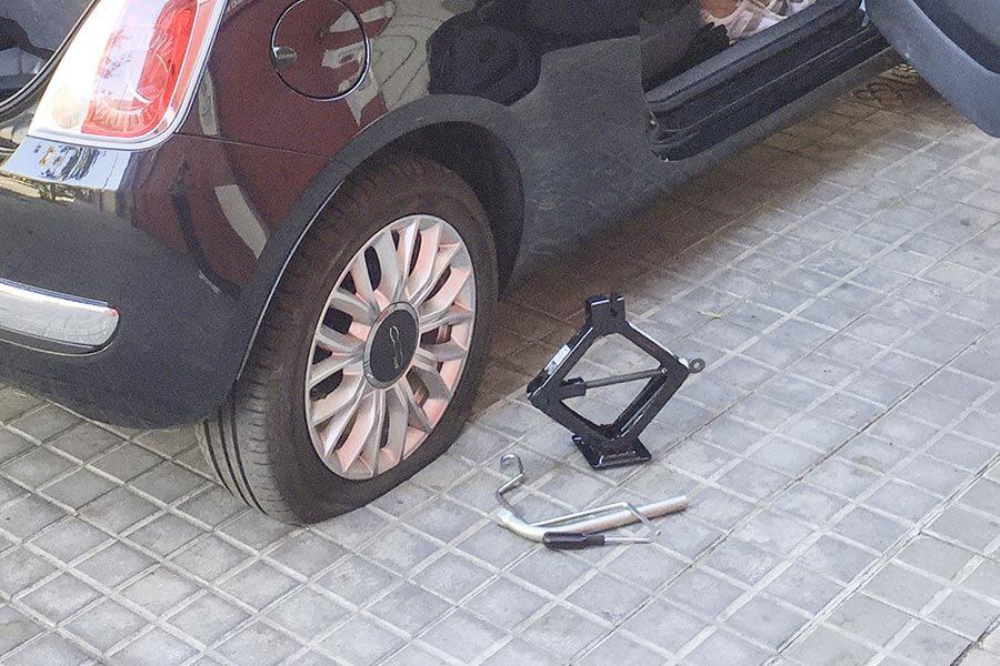 Diebstahl Trick Reifenpanne © Siegbert Mattheis