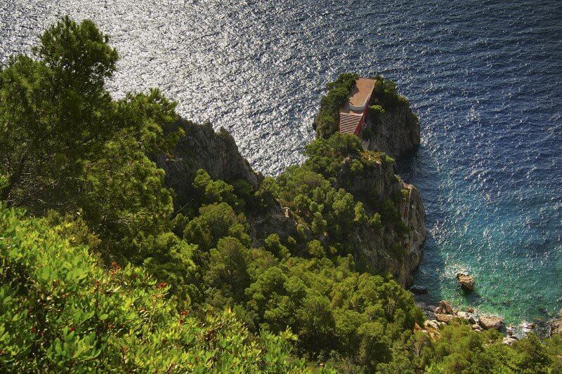 Casa Malaparte von der Steilküste aus gesehen © Wikipedia