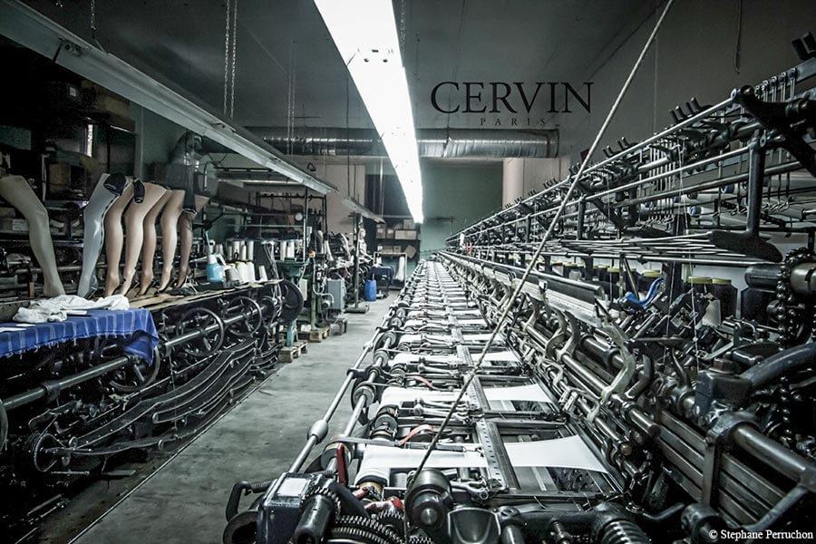 Die Strumpfwirkmaschine in Sumène zaubert immer noch die feinsten Strümpfe © Cervin Paris