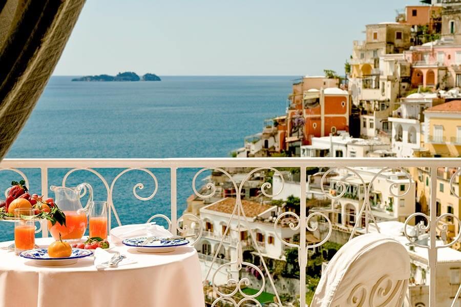 Ausblick vom Hotel Le Sirenuse auf Positano© Hotel Le Sirenuse