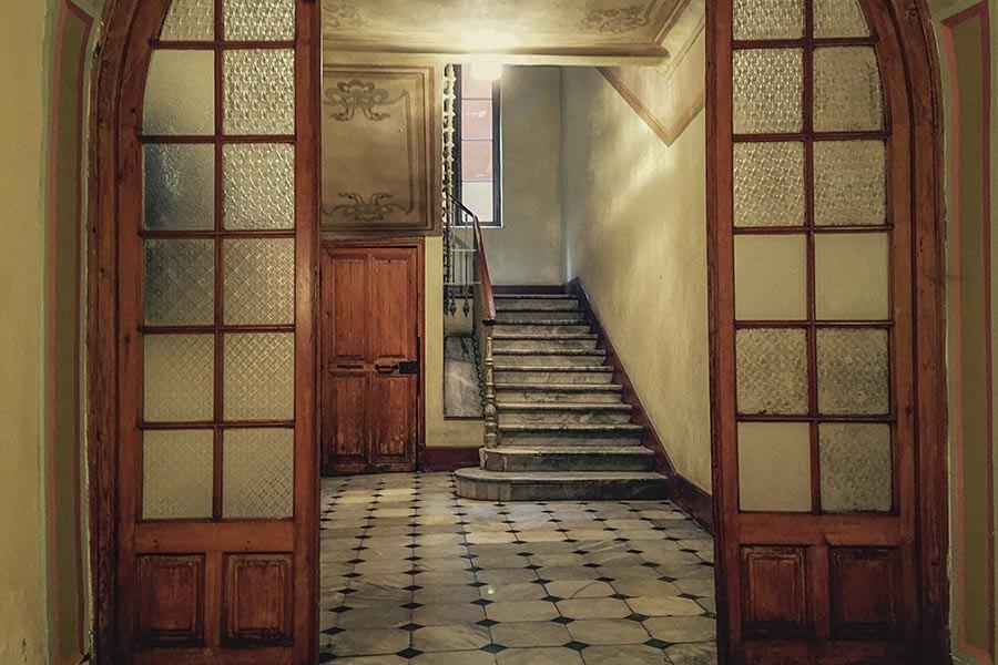 Treppenhaus in der Altstadt von Nizza, komplett aus Marmor © Siegbert Mattheis