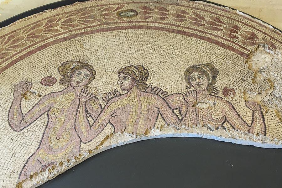 Mosaik der Drei Grazien aus Egnazia © Siegbert Mattheis