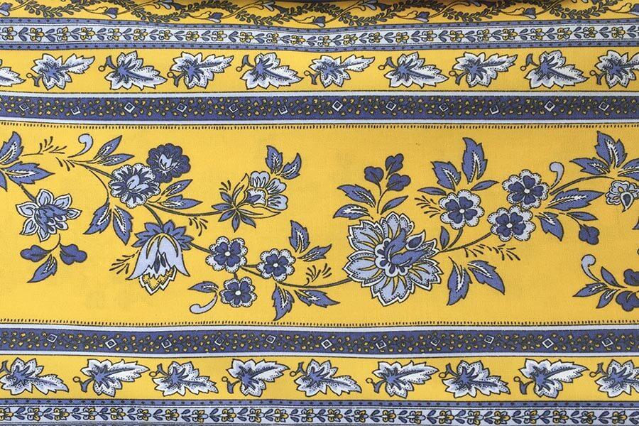 Provençalische Stoffe, typisch in Gelb und Blau © Siegbert Mattheis
