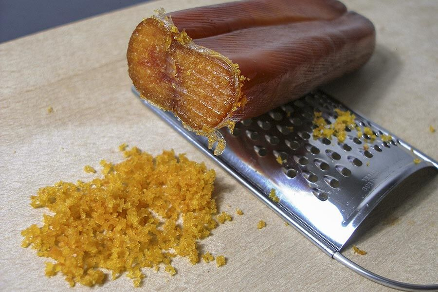 Bottarga di muggine gerieben © Wikipedia