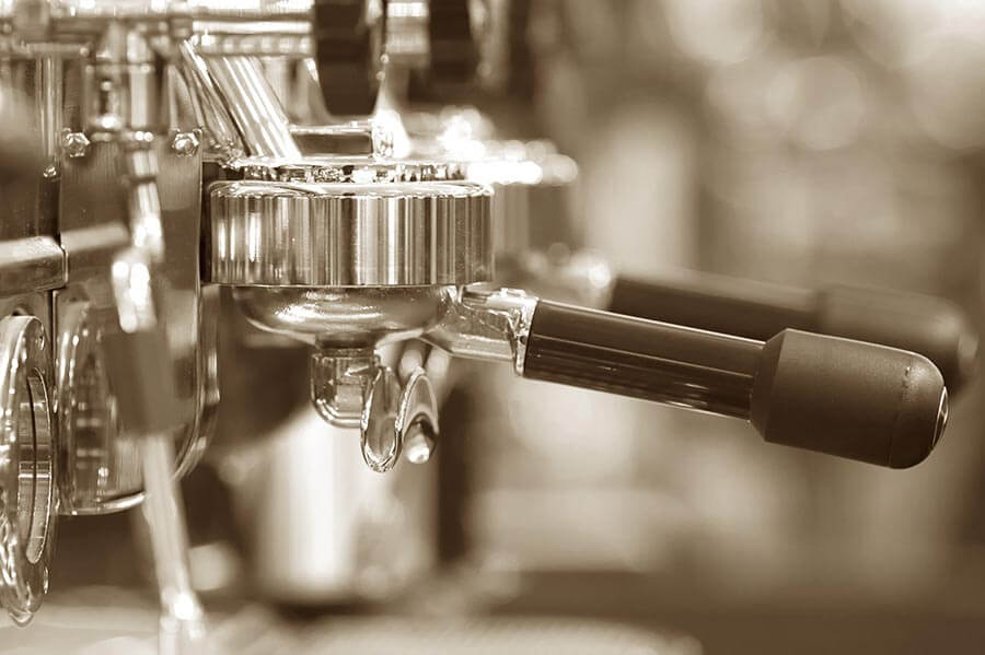 Eine gute Espressomaschine hält bei guter Pflege jahrzentelang © Fotolia