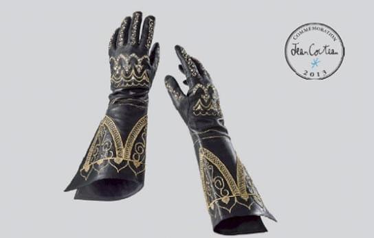 """Die Wiederauflage der legendären Handschuhe aus Cocteaus Film """"La Belle et la Bête"""" © Maison Fabre"""