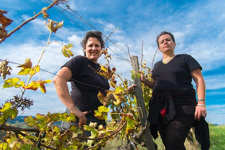 Frauenpower im Weinberg: Carine Fitte und Helene Archidec © CDTL32 Chateau de Herrebouc