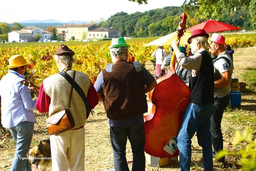 """""""Les Vignes Reboussières"""" bieten Begegnungen in rund 14 Weingütern an © Vignes Reboussieres"""