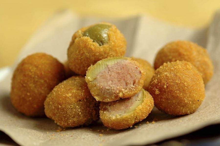 Leckere, gefüllte und frittierte Oliven, eine Spezialität aus den Marken © Marzia Giacobbe, Fotolia